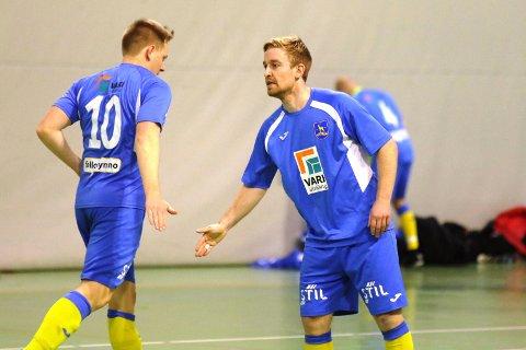 Spillende trener Iver Strandheim satte inn fire av åtte mål i seieren mot Bjørndal.