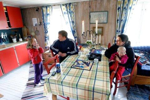 BARNEVENNLIG: Småbarnsfamilier legger gjerne turen til Øvresaga fordi det er lett å komme seg dit.