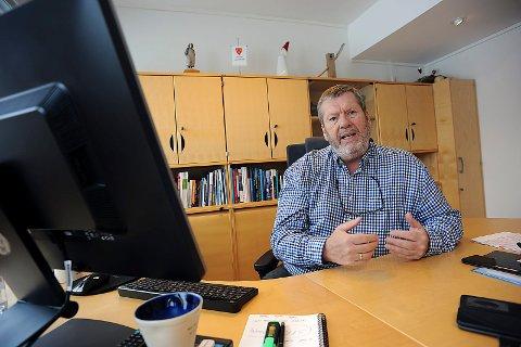 IKKE FORNØYD: Ordfører i Vestbyog leder av Follorådet, Tom Anders Ludvigen, er ikke fornøyd med verken lang passkø eller nærpolitireformen.