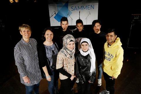 Bakerst fra venstre: Bente Lier fra SOS-barnebyer, Kjersti Hoff fra Oppegård kommune, Samiullah, Yohannes, Liaqat, Fatima, Ghoufran og Hashmat.