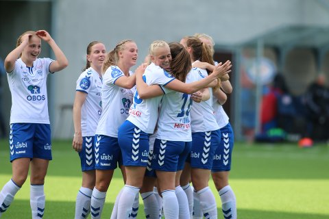 HELT KANON: Karina Sævik har lagt på til 3-0 13 minutter ut i 2. omgang.