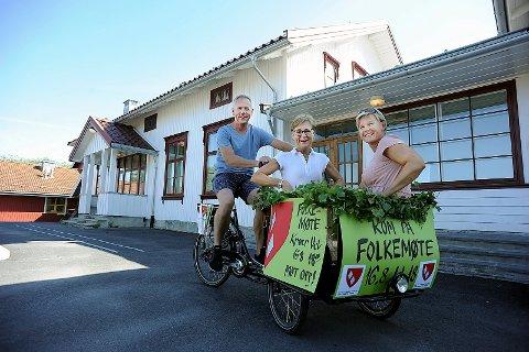KLARE TIL KAMP: Thorbjørn Nordskaug, på sykkelsetet, Nina Gundersen og Sigrid Hjørnegård, er alle klare til å kjempe for nærskolen sin.