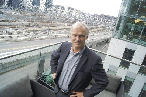NSB-SJEFEN: Geir Isaksen fra Kolbotn har vært NSB-sjef siden 2011. Han har fått til mye, men punktligheten er lavere nå enn for fem år siden. ØB møtte NSB-sjefen i Oslo, og fikk svar på spørsmålene vi hadde med oss.