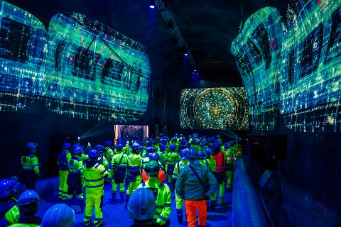 VENTER: Her venter de på det første gjennomslaget for tunnelboremaskinene i Follobanprosjektet.