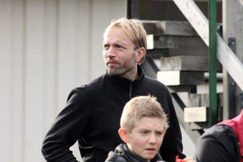 TANKEKORS: Styreleder i Ski Hockey, Jan Thomas Birkeland, mener noe drastisk må gjøres for å skape en bedre rekruttering og en større forutsigbarhet for satsingslagene i norsk hockey.