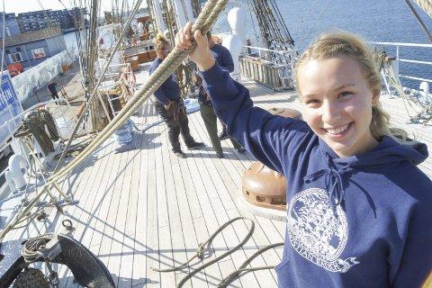 SPENT PÅ HAVETS VÅG: Marie Sikkerbøl (21) skal seile med S.S. Christian Radich i én måned gjennom det nye programmet Windjammer.