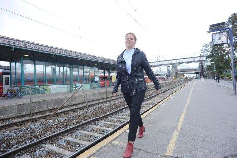 FORNØYD: Solveig Schytz (V) er glad for økt satsing på jernbane.