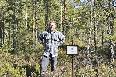 """BLI MED GAUPE-STEIN PÅ TUR: Stein """"Gaupestein"""" Kr. Martinsen er leder i Naturvernforbundet i Ski. Søndag 20. oktober tar han med seg dem som vil være med på en guidet tur i Gaupesteinmarka. Tirsdag 15. oktober markeres sammenslåingen av lokallagene i Ski og Oppegård til Nordre Follo med en tilstelning i Kolben."""