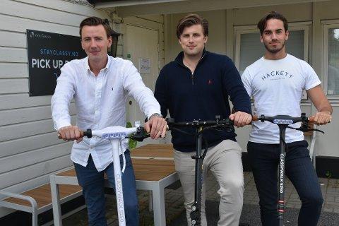 PÅLEGG: Stayclassy har fått flere pålegg fra Arbeidstilsynet for mangler i arbeidsmiljøloven. Bildet er fra en tidligere reportasje i august. Fra venstre: Thomas Holstad, Heine Øhrling og Stephan Ervik.