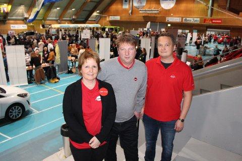 FORNØYD: Fra venstre: Markedsrådgivere i Nav: Mona Huuse (Ski), Ken Olsen (Rygge) og Andreas Kjellin Bergmann (Vestby) var alle fornøyde med å se så mange jobbsøkere på messen.