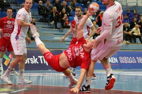 TØFT: Victor Helsinghof og Follo HK gjorde det bra mot Kolstad.
