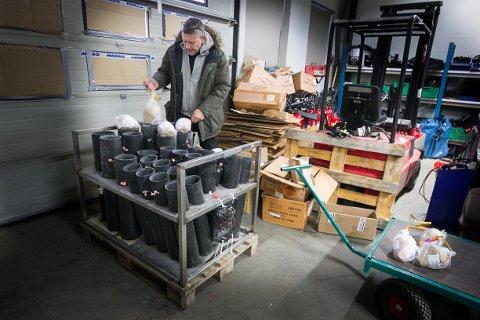 KOS: Bjørnar Dakl koser seg som mest når de største batteriene bygges.