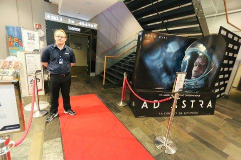 BEDRE: Etter at kinosjef Alexander Dalen ved Odeon Ski fortalte om krevende foreldre som skjelte ut ansatte i september, har ting blitt mye bedre.