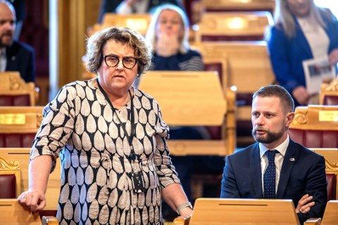 Landbruks- og matminister Olaug Bollestad (KrF) og Helseminister Bent Høie (H) under Stortingets spørretime onsdag. Foto: Ole Berg-Rusten / NTB Scanpix