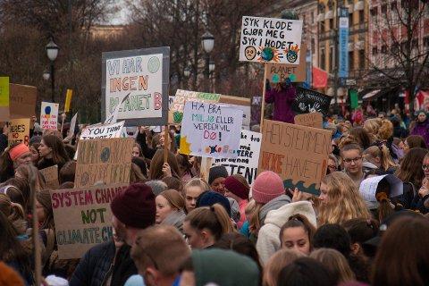STOR STREIK: Mange Follo-elver reiste til Oslo for å streike for miljøet 22. mars i år.