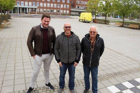 NYE DATOER PÅ BLOKKA: Aleksander Langeland (midten) og Arild Jahren har store forventninger til lørdagen. Her sammen med daglig leder i Follo næringsråd, Stian Ulvøy.