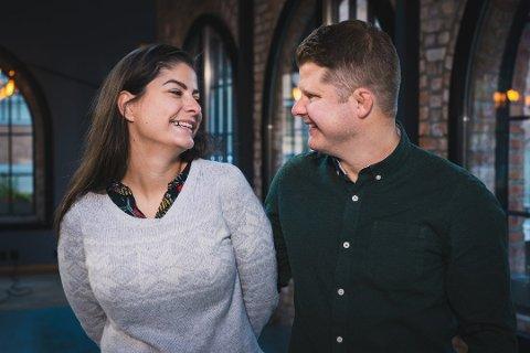 VENTER BARN: Sara og Joakim ble gift ved første blikk på tv, og nå avslører de at de blir foreldre i november.