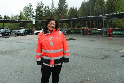 UTVIDER: Kommunikasjonssjef i Follo Ren, Pia Kathrine Løseth kan konstatere at miljøstasjonen på Sofiemyr blir utvidet.
