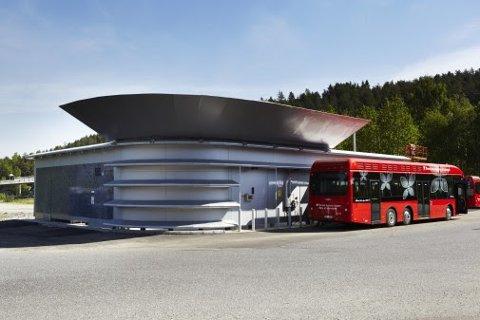 HOLDES STENGT: Hydrogenstasjonen på Rosenholm holdes stengt i en periode. Nedstengningen har ingen direkte konsekvenser for kollektivtrafikken, i følge Ruter.