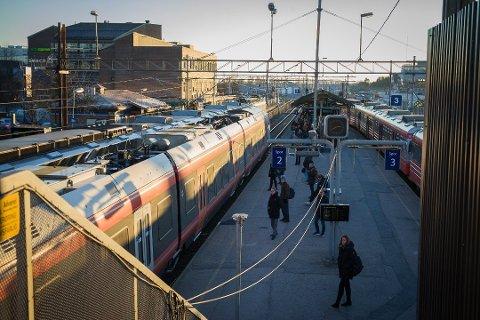 Hvis pengene bevilges over statsbudsjettet, blir det flere rushtidsavganger fra Ski stasjon fra og med dsember.