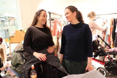 FORTSETTER: Nora Isachsen (th), daglig leder i OMA, tar med seg gode erfaringer fra  pop-up-butikken på Kolbotn torg og fortsetter med gjenbruksbutikk i kjøpesenteret.