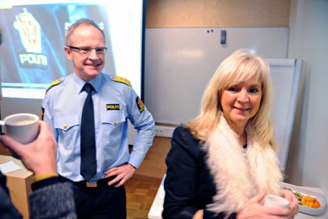 Gunvor Eldegard (AP) , her sammen med tidligere politimester Arne Jørgen Olafsen, reagerer på fartsøkningen på E18. Arkivfoto