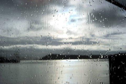Det blir en regntung uke, skal vi tro meteorlog Bente Wahl. Foto: Vidar Ruud, ANB