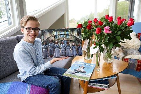 FANSTASTISK Å STÅ PÅ SCENEN: Benjamin Hovednak (11) spiller Kurt sammen med de seks andre von Trapp Barna. Etter premieren vanket det blomster og lovord.