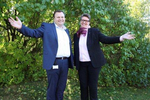 Thomas Sjøvold (H) og Hanne Opdan (Ap) har inngått en intensjonsavtale om samarbeid i Nordre Follo.