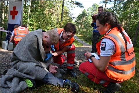 2. plass: Medlemmer av Vestby og Ås Røde Kors hjelpekorps deltar under NM for hjelpekorps der de tok en 2. plass.