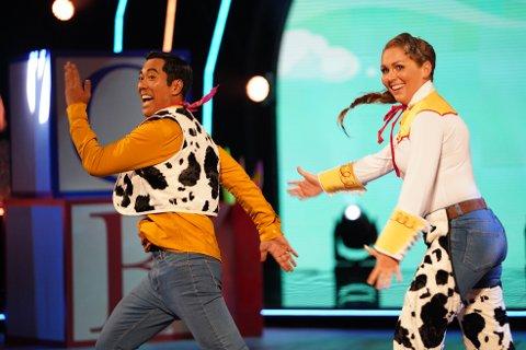 Christian Strand og Marianne Sandaker Skal vi danse i program tre av Skal vi danse.