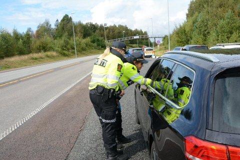 OFTE PÅ VEIEN: I september var politistudenter med UP ut på en av de mange kontrollene, denne gangen i Søndre Tverrvei.