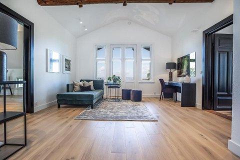 TIL SALGS: Slik ser det ut i villaen på Svartskog etter omfattende oppussing