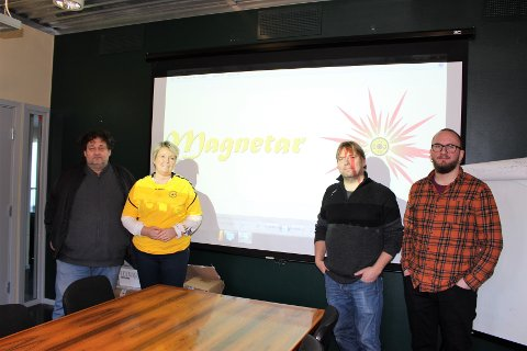 SAMLET: Fritidsledere og Oppegård IL er samlet for å snakke med ØB om tema.