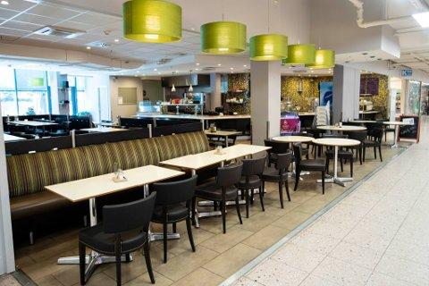 Etter kun fem måneder på Drøbak city, måtte kafé Together slå seg konkurs. – Utgiftene ble større enn inntektene, forteller de til Amta.