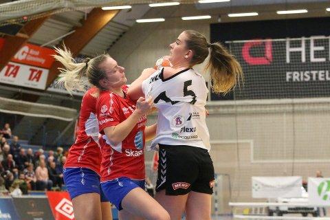 TØFT: Tilde Alræk og Follo HK Damer ble avkledd i store deler av kampen mot Gjerpen søndag kveld.