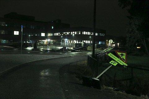 VIND: Et skilt har veltet i Vestby.