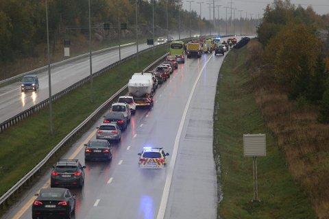 RASKT: Videoer fra ulykken på E6 ble kjapt delt med hele verden via Snap Map.