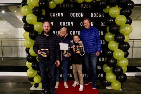 Solveig Thuv var en av de heldige vinnerne. Hun tok med seg mannen, Ståle, sønnen, Lars, og barnebarnet, Sander (11) på førpremieren av Burning 3