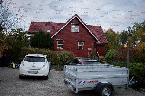 GODT BOLIGMARKEDET: Denne boligen i Markveien 36 på Finstad er solgt for 9,5 millioner kroner. Dette er en av de siste overdragelsene i vårt distrikt, i et boligmarkedet som på landsbasis går, kanskje for mange, overraskende godt.