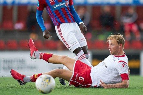 Simen Olafsen har levert varene etter at han kom til Levanger midt i 2019-sesongen. I år var han kaptein hos trønderne, men nå går ferden videre til Ulsteinvik.