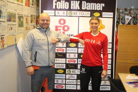 VIKTIG: Sportslig leder i Follo HK Damer, Christer Hovdsveen Halvorsen (t.v.,) er meget godt fornøyd med at Silje Alvestad har signert på en treårskontrakt.