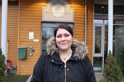Maria Dimitra Baxevanis er sykepleier ved Solborg bo- og aktiviseringssenter, og opplever tøffe dager etter at koronaviruset inntok arbeidsplassen.