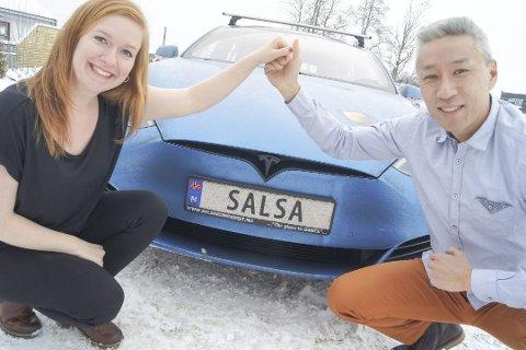 KJØRER I ÅS: Det er temmelig nøyaktig ett år siden Morten Krogh og Maja Griffiths fra Ski startet med salsakurs i Ski. Nå flytter de det populære dansekurset til Ås.