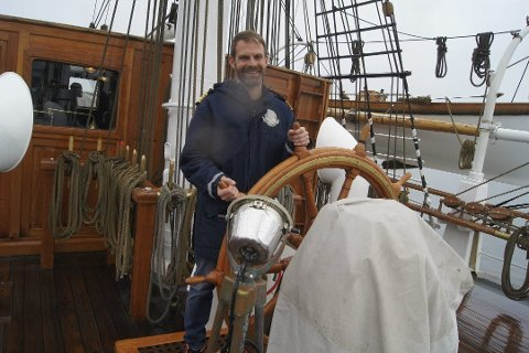 SNART I HAVN: – I dag går vi til kai. Vi er i god form, ved godt mot og gleder oss til gjensynet med nære og kjære på land, forteller kapteinen på skipet Christian Radich, Langhus-mannen Fridtjof Jungeling.