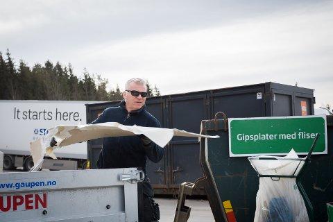 KRAFTTAK: Pål Fostervold fra Drøbak totalrenoverer huset sitt. Da blir det mange turer til Bølstad gjenvinningsstasjon.