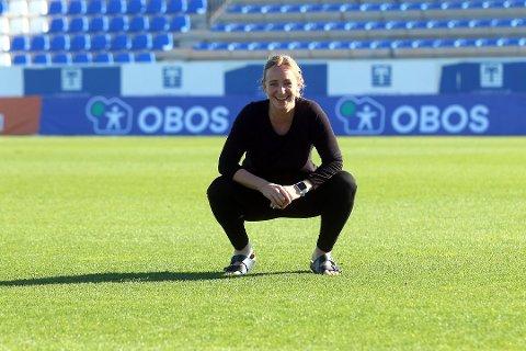 Daglig leder i Toppfotball kvinner, Hege Jørgensen, tror kvinnene må vente med seriestarten selv om herrene snart kan være i gang.