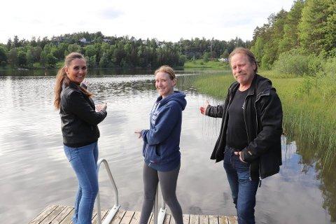 HASTER: Initiativtakerne Cecilie Eriksen, Linn Marthinsen og Egil Bekkeli håper på rask godkjenning av prosjekt flytebrygge i Tusse.