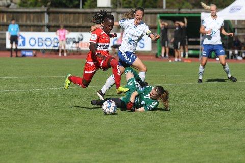 0-1: Kennya Cordner runder Kolbotn-keeper Siri Ervik og sender Sandviken i ledelsen på Sofiemyr.