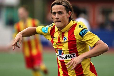 Henrik Udahl jubler etter Follo-scoring mot Brumunddal i 2017. Nå har spissen braksuksess i Åsane.